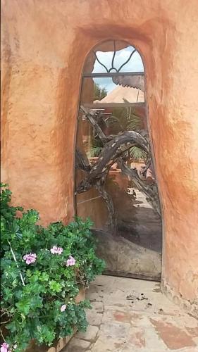 Exterior view Terracotta House, entrance