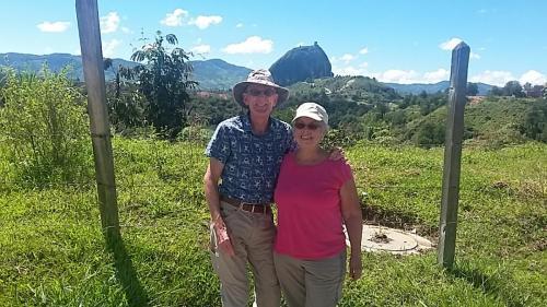 Dan and Lindie with El Peñón de Guatapé in the distance