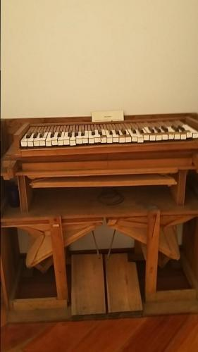 Piano type instrument