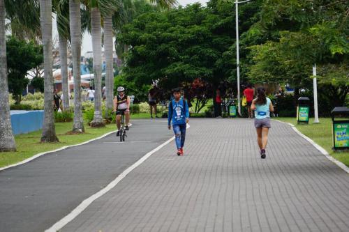 Wide walkway/bike lane along shore