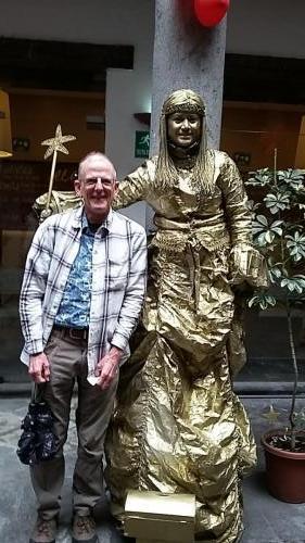 Dan and gold mime