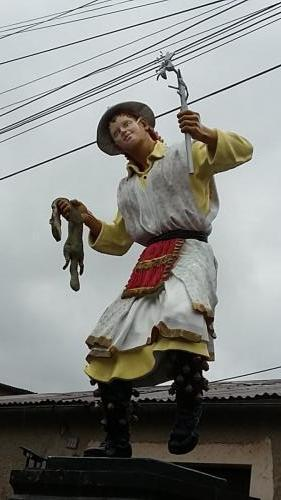 Statue in Chivay
